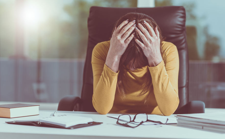 8 ways to naturally relieve your stubborn headache